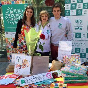 Programa de sensibilización: voluntarios en mercado solidario